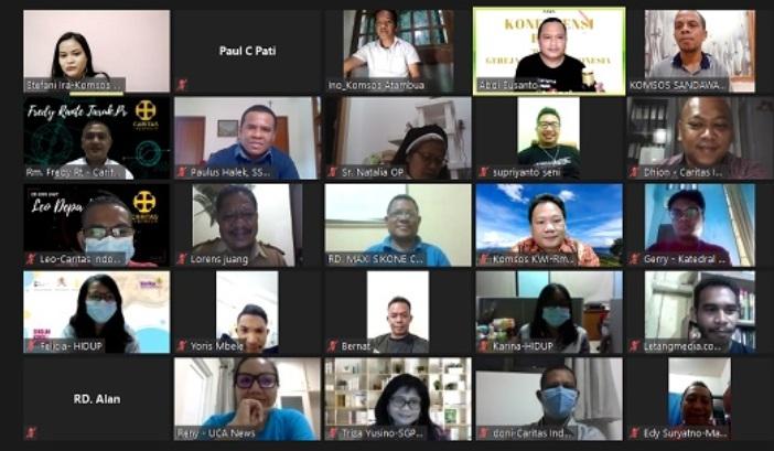 """Sebagian peserta Konferensi Pers """"Respon Gereja Katolik Indonesia untuk NTT,"""" 12 April (PEN@ Katolik/pcp/screenshot)"""