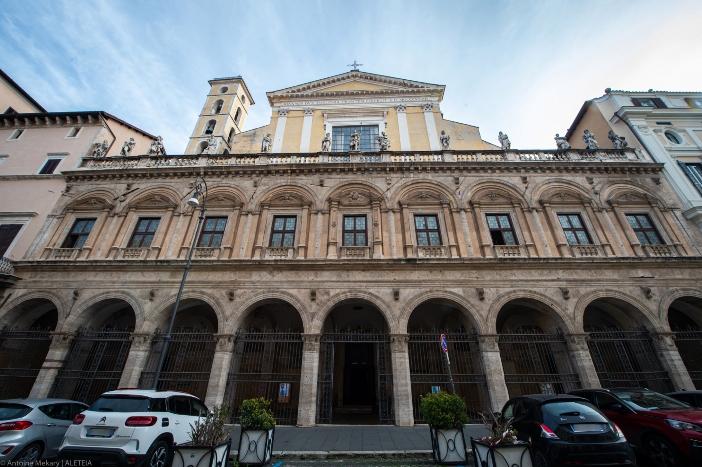 Basilika 12 Rasul Suci. Basilika ini dianggap sebagai satu-satunya gereja Romawi yang dibangun tanpa memanfaatkan struktur Roma kuno. Basilika 12 Rasul Suci adalah milik Kementerian Dalam Negeri Italia © Antoine Mekary   ALETEIA
