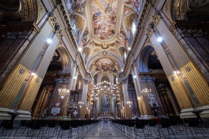 Basilika 12 Rasul Suci. Itu dibangun kembali pada abad ke-6, dilaporkan sebagai ex voto dari jenderal Narses setelah kemenangannya atas Goth. Basilika 12 Rasul Suci adalah milik Kementerian Dalam Negeri Italia © Antoine Mekary   ALETEIA