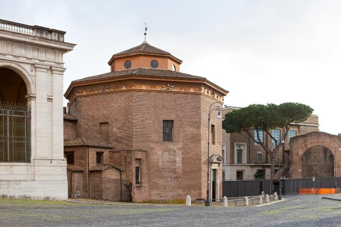 Tempat Pembaptisan Santo Yohanes Lateran. Pada abad ke-5, bangunan ini diberi bentuk definitif, dan telah digunakan sejak saat itu. © Dima Moroz | Shutterstock