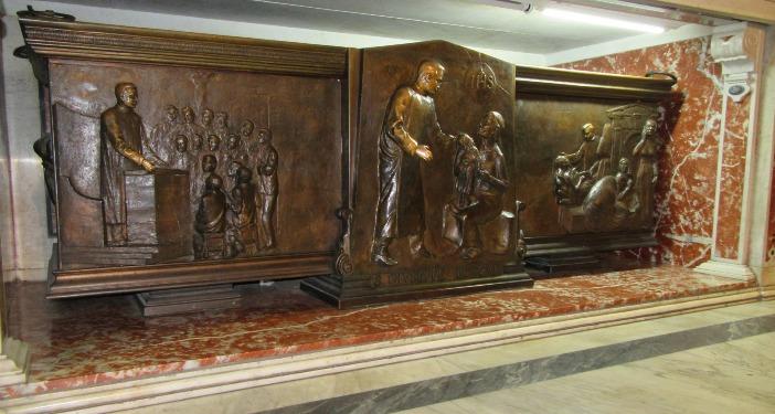 Makam Santo Giuseppe Moscati di Gereja Gesù Nuovo di Napoli. © Rei Momo | Area publik