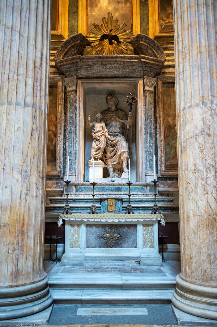 Basilika Maria Ratu Para Martir. Kapel dengan makam musisi Angelo Corelli, pelukis Perin del Vaga dan Taddeo Zuccari, dan arsitek Baldassare Peruzzi. © Antoine Mekary | ALETEIA