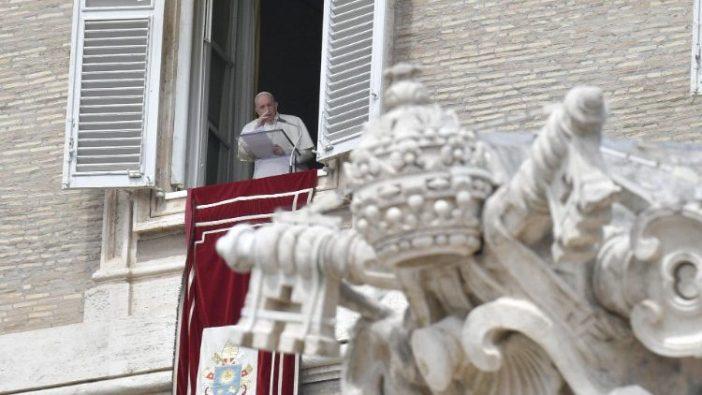 Paus Fransiskus dalam Regina Coeli (Vatican Media)