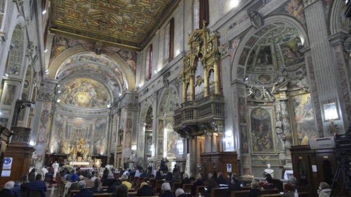 Paus Fransiskus merayakan Misa di Gereja Santo Spirito di Sassia