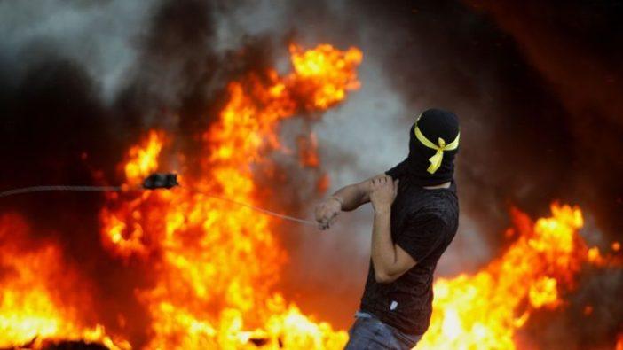 Kekerasan Israel-Hamas berlanjut di Tanah Suci.