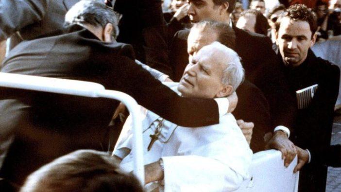 Percobaan pembunuhan 13 Mei 1981 terhadap Yohanes Paulus II (ANSA)