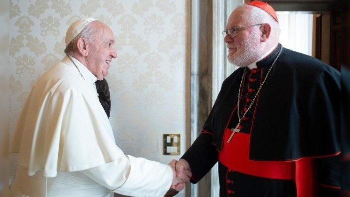 Paus Fransiskus bersama Kardinal Reinhard Marx - foto arsip
