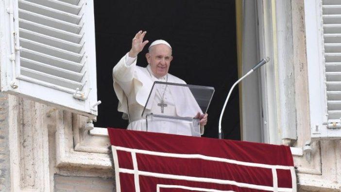 Paus Fransiskus dalam doa Angelus hari Minggu 13 Juni 2021 (Vatican Media)